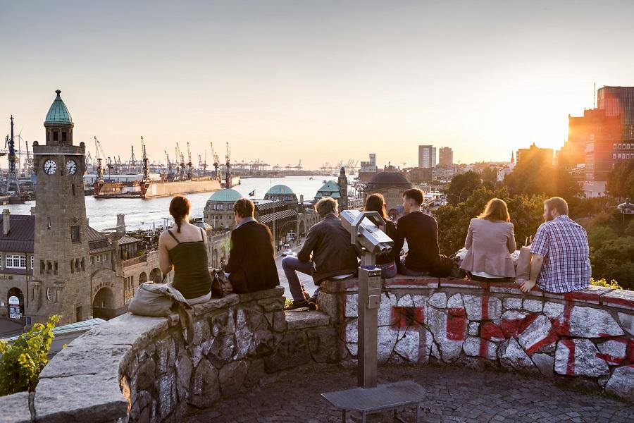 Die 5 größten Familienunternehmen aus Hamburg - Die Deutsche Wirtschaft